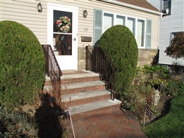 Custom Home Hand Railings